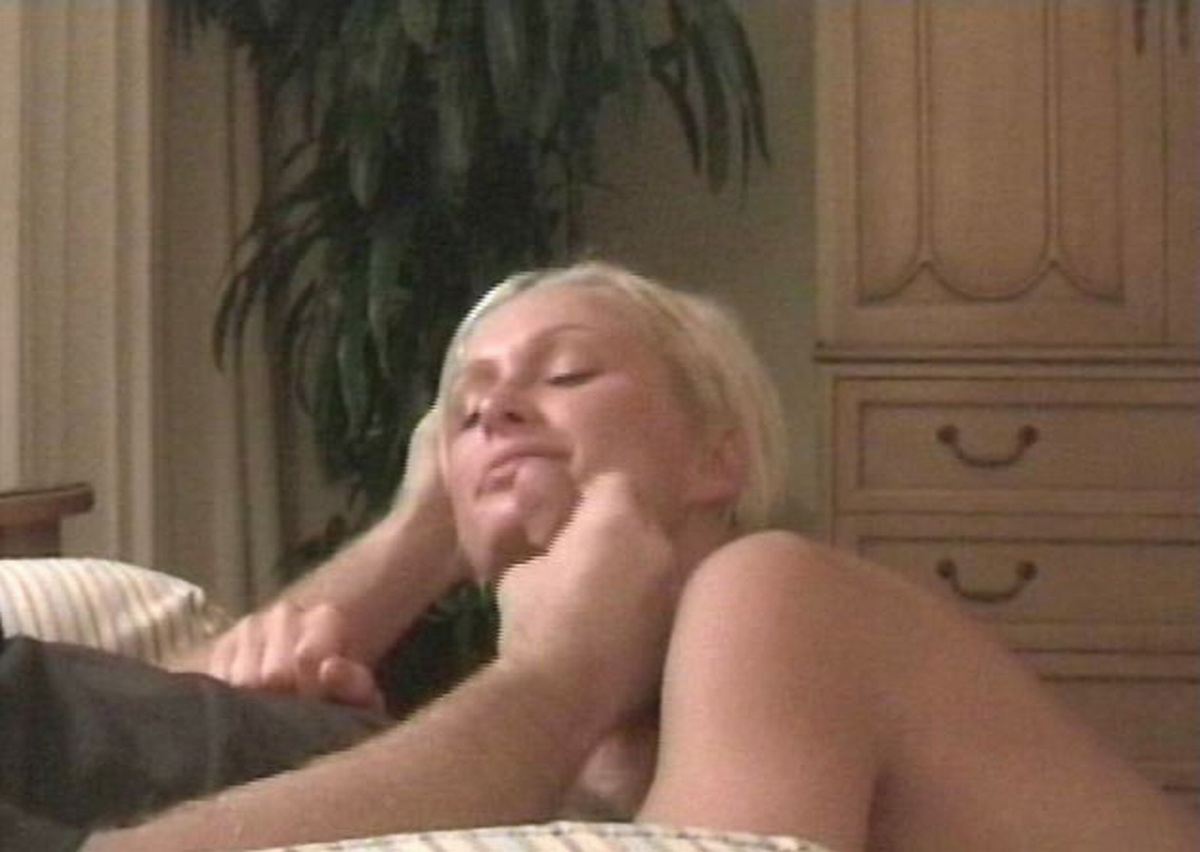 Paris hilton blowjob